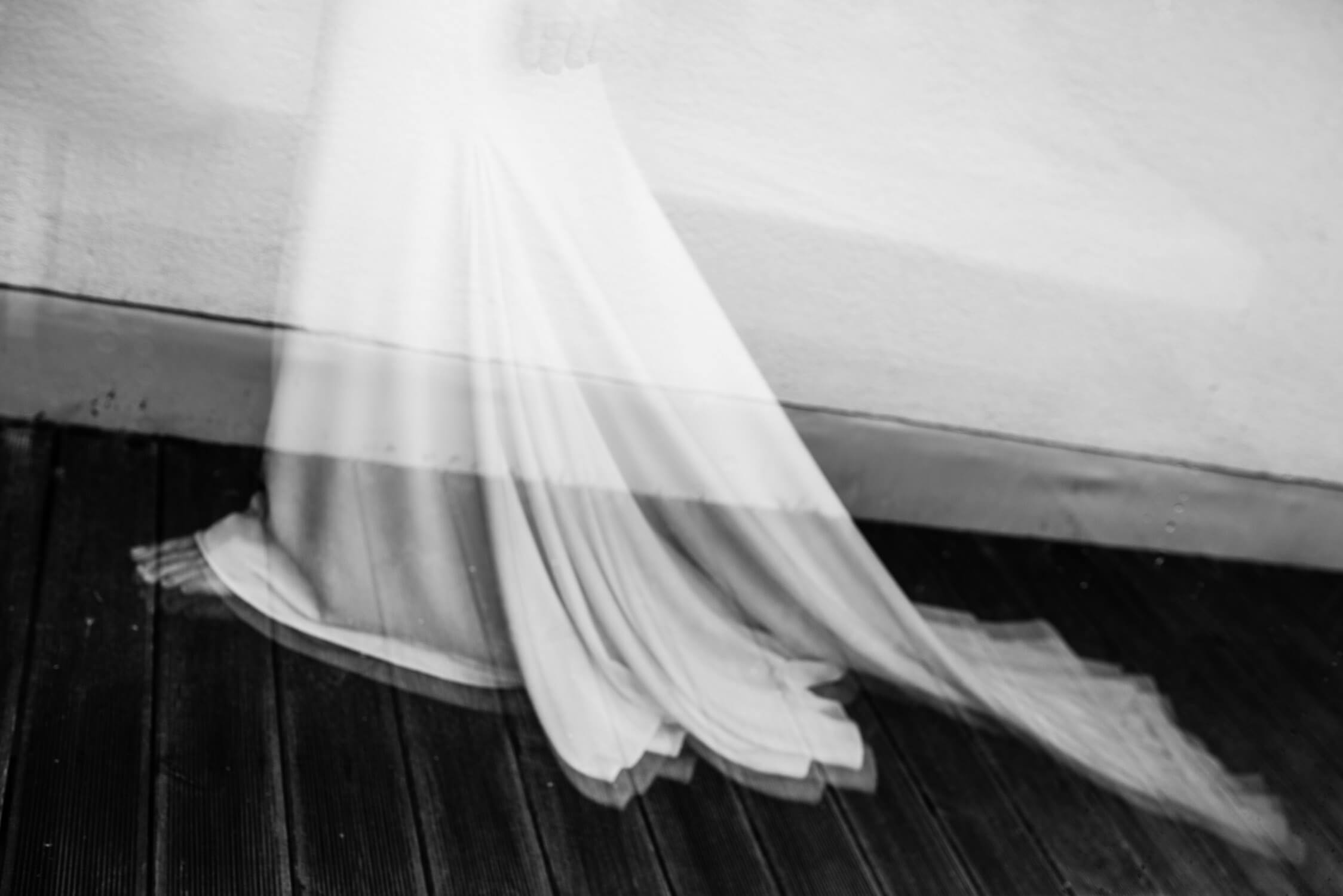 bride contemporary wedding dress photography artistic